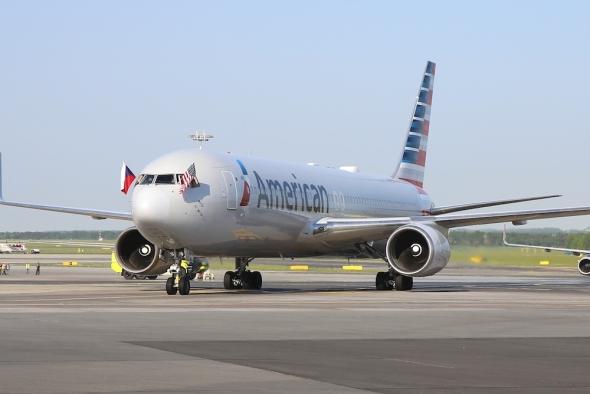 Boeing 767 300 American Airlines první přistání v Praze