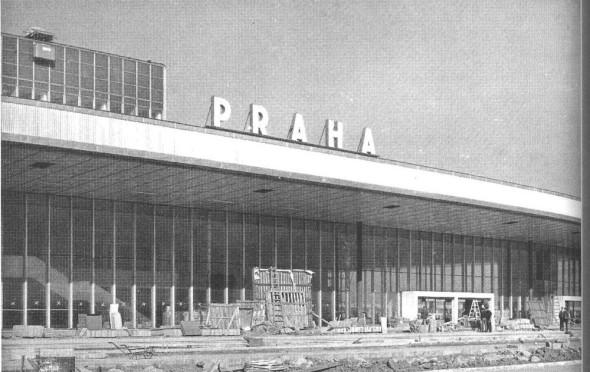 1967 stavba budovy nového letiště Praha Ruzyně