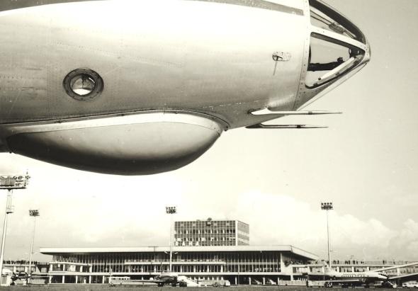 1972 plocha s letištní budovou Praha Ruzyně