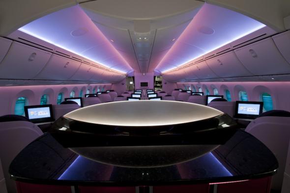 Qatar Airways Boeing B787 Dreamliner kabina cestujících