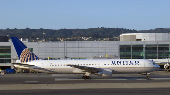 United Airlines Boeing B767 300
