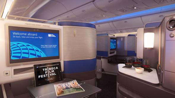 United Airlines Boeing B767 pohled ze sedadla