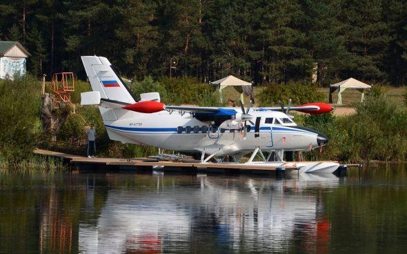 Let L 410 plováky 11