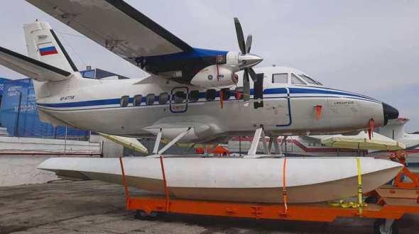 Let L 410 plováky 9