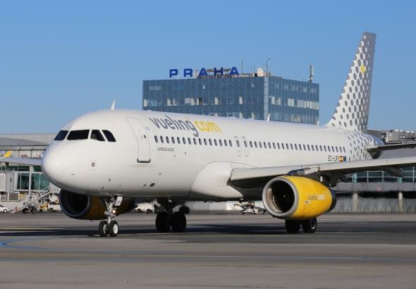 Airbus A319 Vueling letiště Praha Ruzyně