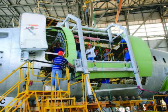 Bedek přestavba 737 400