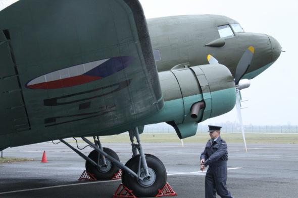 Douglas DC 3 VHÚ Praha před předáním