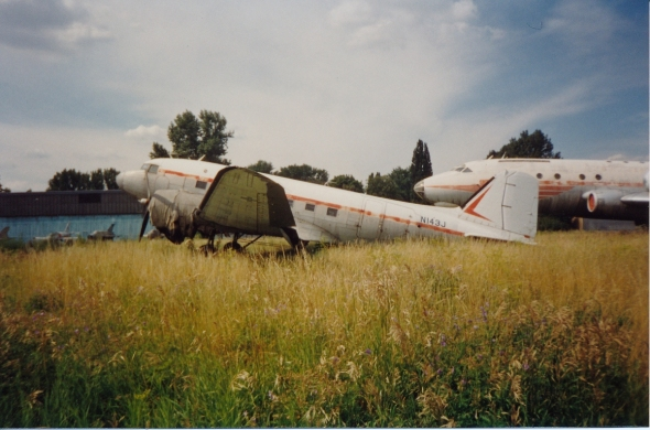 Douglas DC3 po příletu Praha Kbely