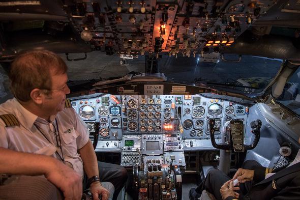 Boeing  B 727 Aseman cockpit