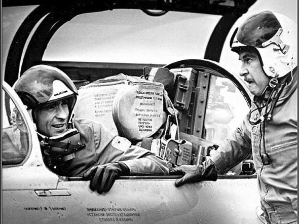 Luděk Munzar Pod nohama nebe MiG 21