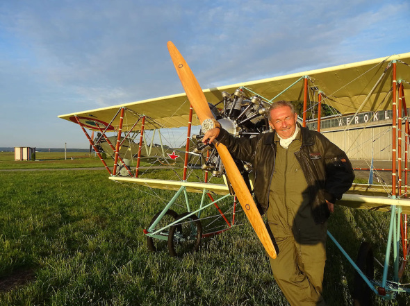 Vladimir Handlik pilot Caudron