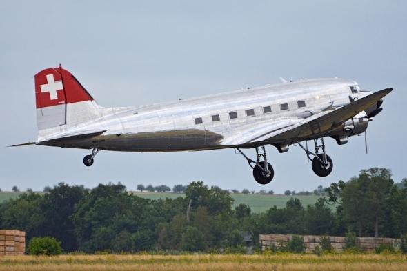 Douglas_C-47A_Dakota_'N431HM'_(19704167579)
