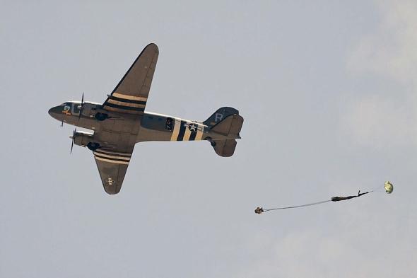 douglas C47 Dakota a padák
