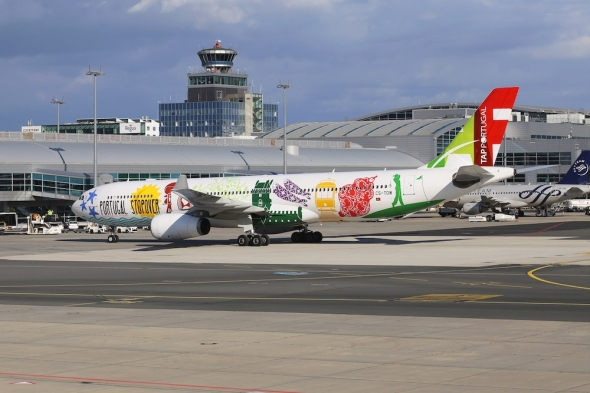 TAP portugal Airbus A330 letiště Praha