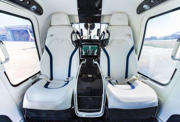 vrtulník Bell 429 interiér