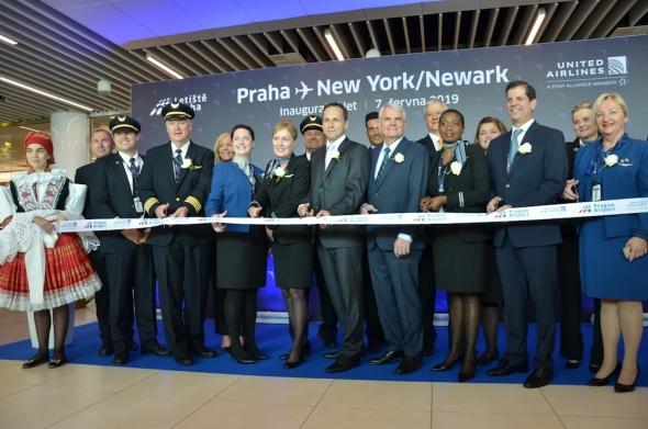 zahájení letu United Airlines Praha Ruzyně