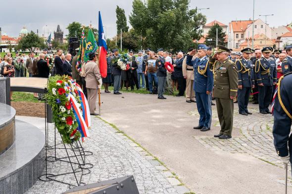 Pomník letcům RAF Praha 2019