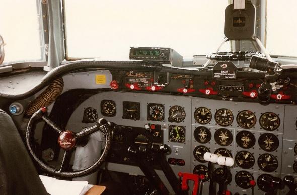 Douglas DC4 Swissair kokpit