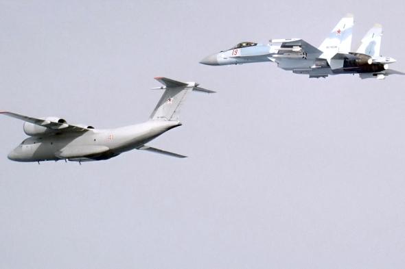Antonov An 72 a Suchoj Su 27