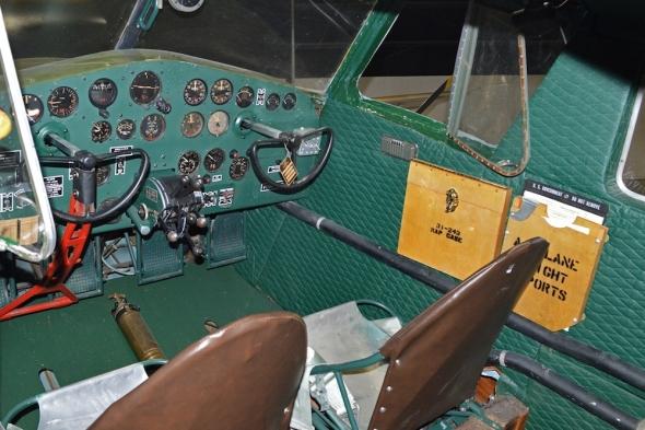 Cessna Bobcat kokpit v detailu