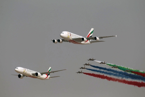 Dubai 2019 Airbus A 380 průlet