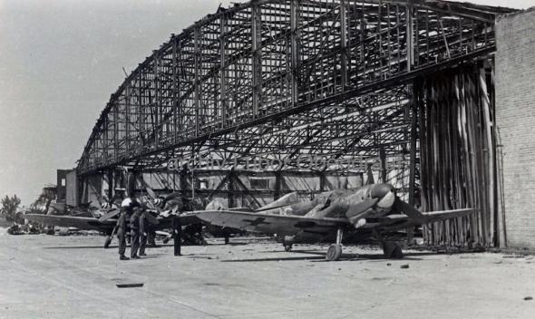 Hangár Pardubice Messerschmitt Bf 109 a Focke Wulf Fw 190