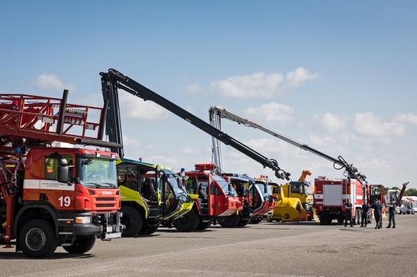 Letiště Praha Runway Park hasičská technika