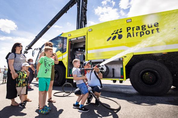 Letiste Praha Runway Park hasiči