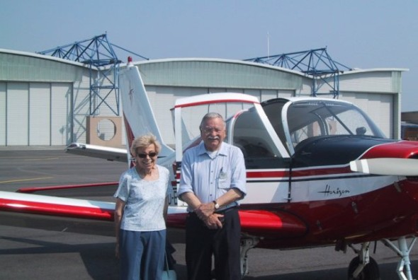 Yves Gardan s manželkou a Horizonem