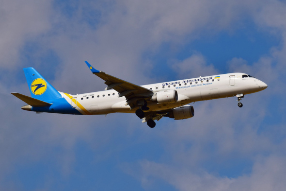 Embraer E190 Ukraine International Airlines