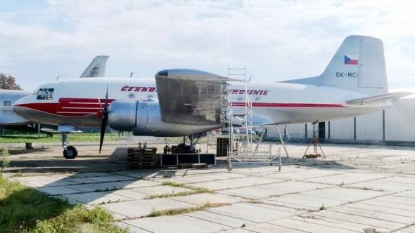 Avia Av-14 ČSA muzeum Kbely v novém laku