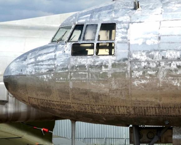 obnova laku Avia Av-14 kokpit