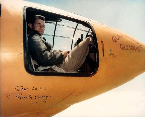 Chuck Yeager v kokpitu Bell X1