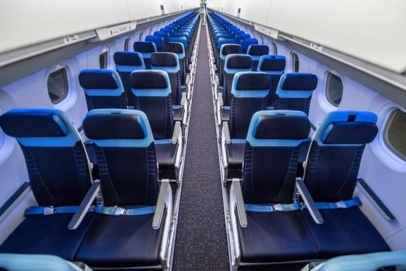 KLM Embraer 195-E2 interiér