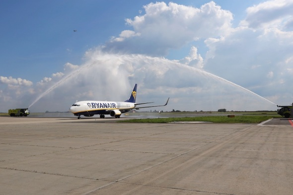 Boeing 737 Ryanair Praha Varšava