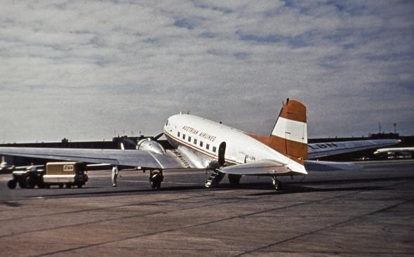 Douglas DC3 Austrian airlines LKPR