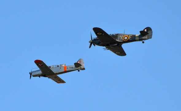 Hawker Hurricane a Pilatus P 2-05